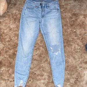 American Eagle distress jeans